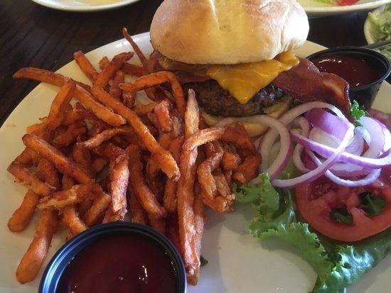 green-chili-burger-gorge-tripadvisor
